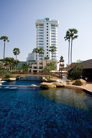 Отель Jomtien Palm Beach 4* в Паттайе